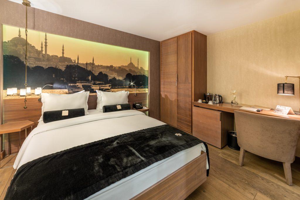 Superior room | 194-sq. foot (18-sq. meter) room